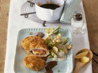 Cordon Bleu vom Kalb mit Champignon-Frühlingszwiebel-Gemüse Rezept