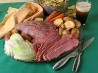 Corned Beef mit Kohl, Karotten und Kartoffeln Rezept