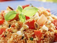 Couscousalat mit Pinienkernen und Tomaten Rezept