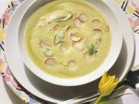 Cremesuppe aus Radieschengrün Rezept