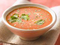 Cremesuppe aus Tomaten mit frischem Koriander Rezept