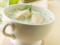 Cremesuppe mit Fischklößchen Rezept