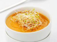 Cremige Karottensuppe mit Sprossen Rezept