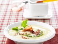 Cremige Kartoffelsuppe mit Mandel-Pesto Rezept