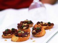 Crostini mit Oliven-Tomatenpaste Rezept