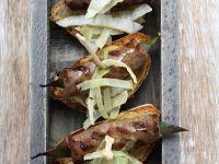Crostini mit würziger Wurst (Salsiccia) und Senf Rezept