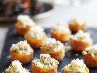 Croustades mit Krebsfleisch und Käse Rezept