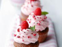 Cupcakes mit Himbeeren Rezept