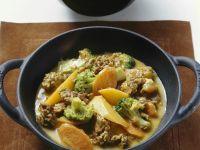 Curry mit Kokos, Hackfleisch und Früchten Rezept