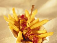 Currywurst mit Pommes frites Rezept