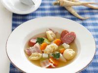 Deftiger Gemüseeintopf mit Grießklößchen Rezept