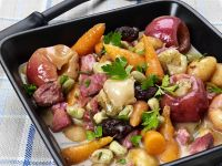 Deftiger Gemüseeintopf mit Schinken und Apfel Rezept