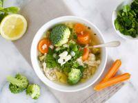 Detox-Gemüsesuppe mit Hühnchen