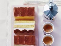 Drei Stücke Käse-Sahne-Torte Rezept