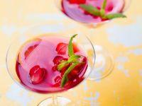 Drink mit Hibiskus, Zitronenmelisse und Zitrone Rezept