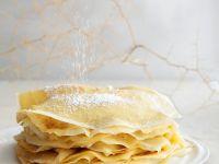 Dünne Pfannkuchen mit Puderzucker Rezept