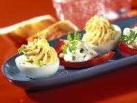 Eier mit Füllung und Paprikaschiffchen mit Käsefüllung Rezept