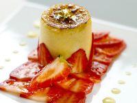 Eierlikör Flan auf Erdbeer Carpaccio Rezept
