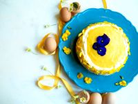 eierlikoertorte-mit-frischkaesecreme-und-mango