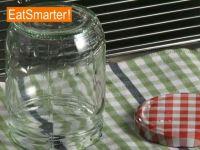 Wie Sie ein Einmachglas schnell und einfach sterilisieren