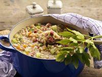 Eintopf nach Kärntner Art mit Rollgerste, Bohnen und geräuchertem Fleisch Rezept