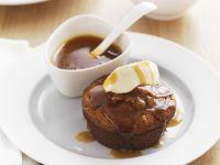 Englischer Dattelpudding mit Karamell Rezept