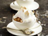 Englischer Pudding mit Rosinen und Baiser Rezept