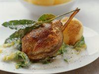 Entenkeule mit Wirsing und Wein-Sahnesoße Rezept