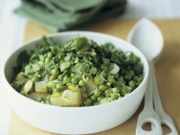 Erbsen-Kartoffelsalat mit Lauchzwiebeln Rezept
