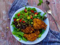 Erdbeer-Avocado-Salat mit Hähnchen-Nuggets Rezept