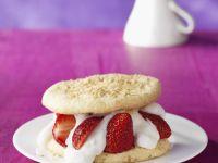 Erdbeer-Biskuit-Burger Rezept