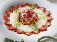 Erdbeer-Prosecco-Törtchen mit Waldmeister-Sorbet Rezept
