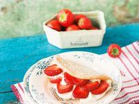 Erdbeer-Sahne-Biskuitomelett Rezept