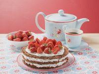 Erdbeer-Sahne-Torte und Kaffee Rezept