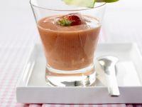 Erdbeer-Smoothie mit Ananas