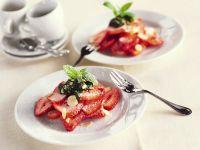 Erdbeeren mit süßem Pesto Rezept