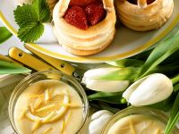 Erdbeerkörbchen und Zitronenschaum Rezept