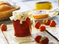 Erdbeerkonfitüre mit Rhabarber Rezept