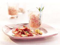 Erdbeersalat mit Mandelkrokant und Granité