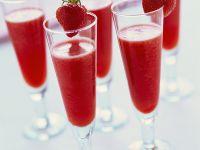 Erdbeersorbet mit Sekt