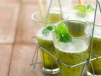 Erfrischende Minz-Gemüsebrühe Rezept