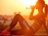 Die 8 besten Getränke bei Hitze