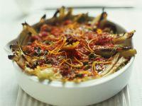 Fenchel-Tomaten-Auflauf mit Oliven und Orangenabrieb Rezept