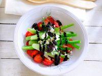 Fenchelsalat mit Beeren und Oliven Rezept