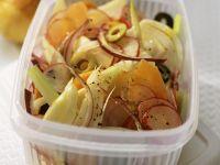 Fenchelsalat mit Karotten, Zwiebeln und Radieschen Rezept