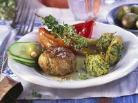 Feta-Frikadelle mit Zucchininocken Rezept