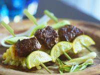 Filetspieße mit Salat Rezept