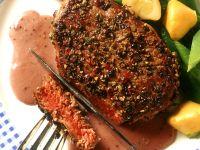 Filetsteaks mit Rotweinsauce und Gemüse Rezept