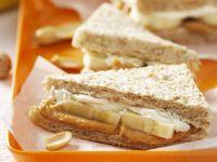 Fisch-Tramezzini mit Erdnussbutter und Banane Rezept