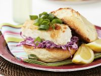 Fischburger mit Krautsalat nach britischer Art Rezept
